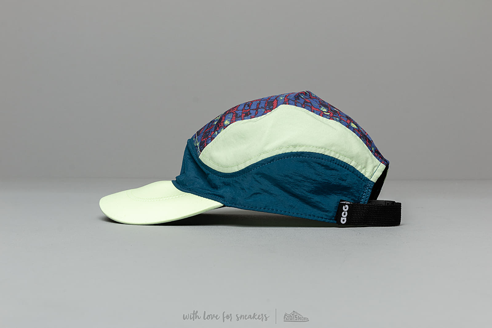 4e1ca4a85 Nike ACG Tailwind Cap Blue/ Green at a great price 33 € bestell bei Footshop