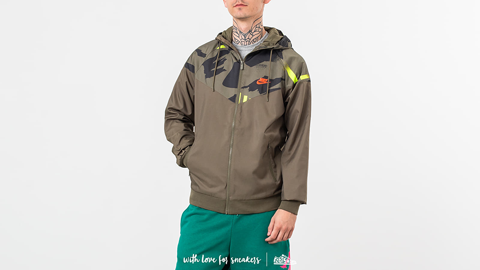 Jackets Nike Sportswear Festival Jacket Medium Olive/ Bright Crimson