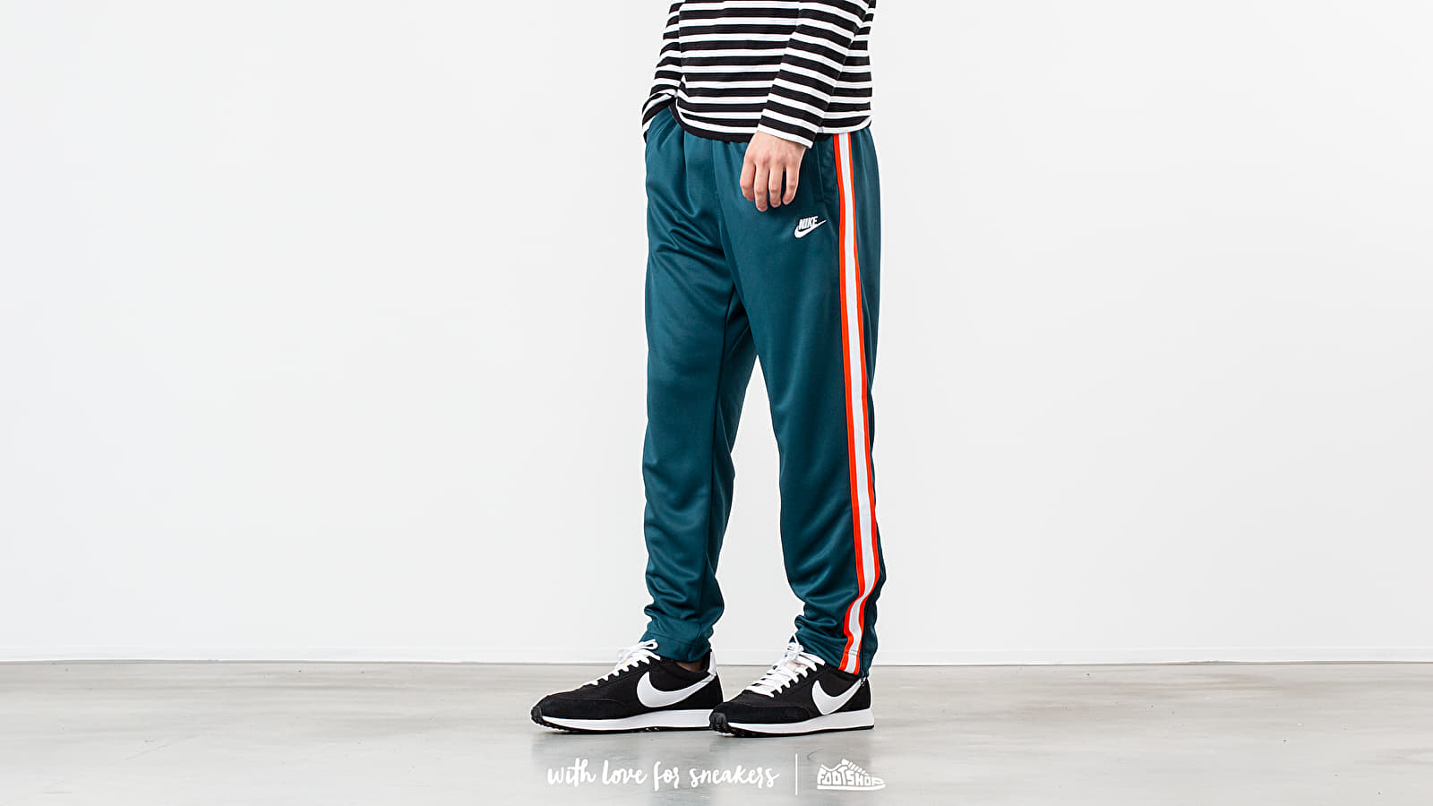 Nike Sportswear Heritage OH Tribute Pack Pant Nightshade/ White at a great price 48 € buy at Footshop