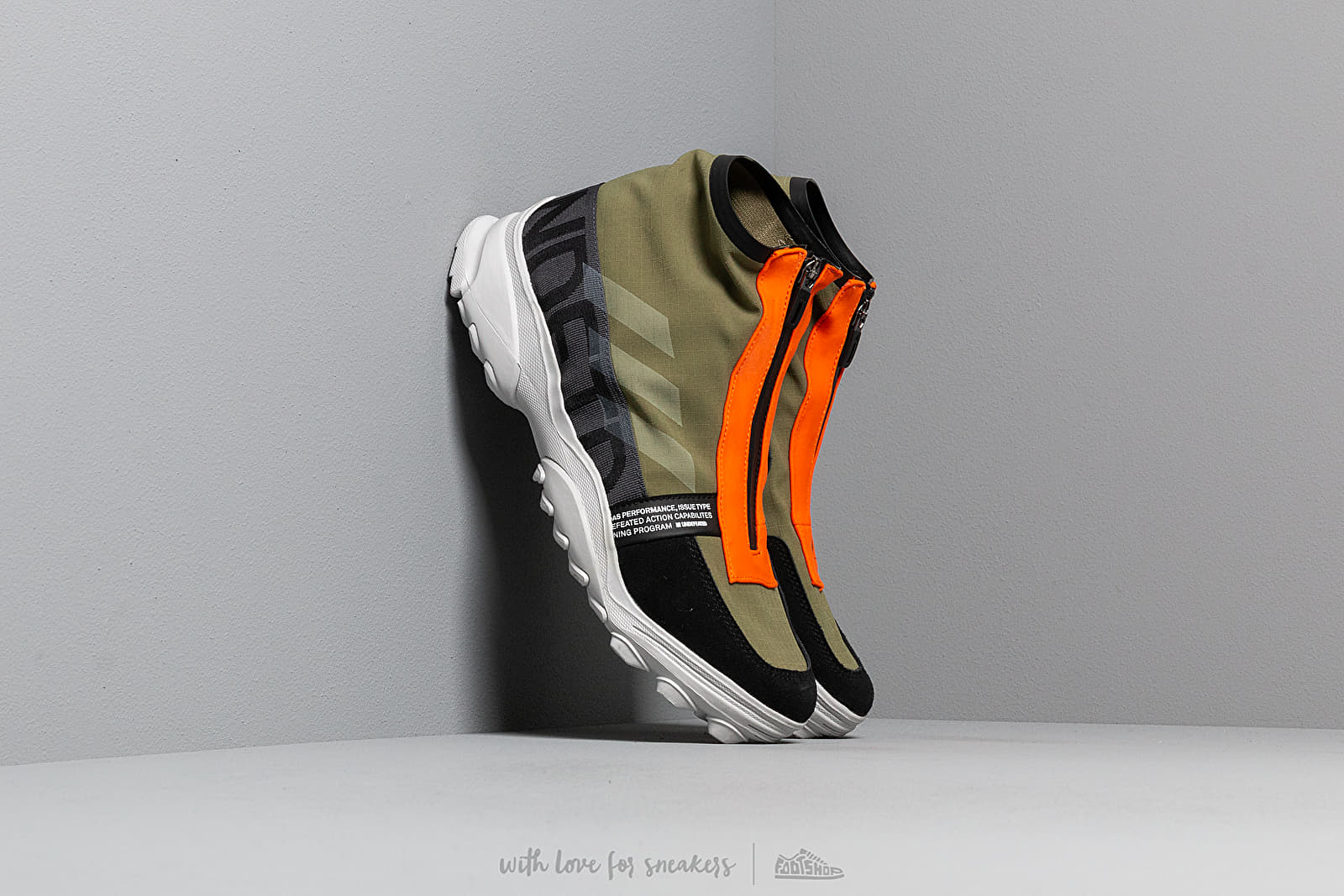 Scarpe e sneaker da uomo adidas x Undefeated GSG9 Olive Cargo/ Light Grey Heather/ Orange
