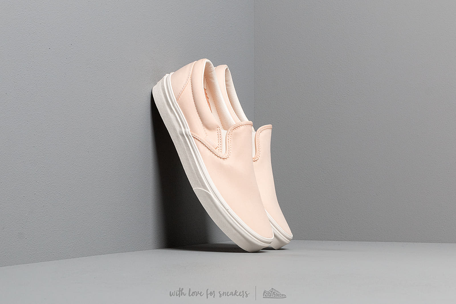 Vans Classic Slip-On (Brushed Twill) Vanilla Cream at a great price 62 € buy at Footshop