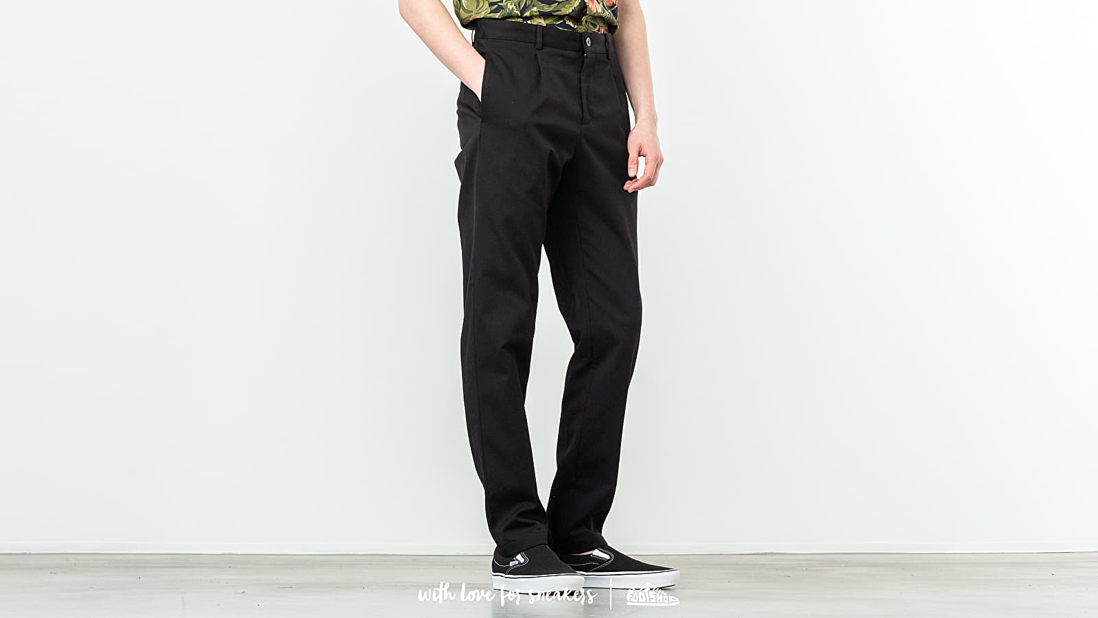 A. P. C. Pleated Chino Pants Black at a great price 231 € buy at Footshop