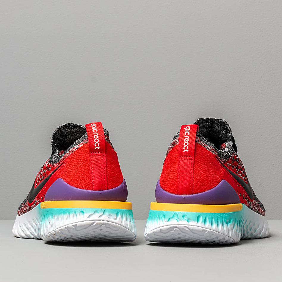 Nike Epic React Flyknit 2 Black/ Black-Hyper Jade-University Red