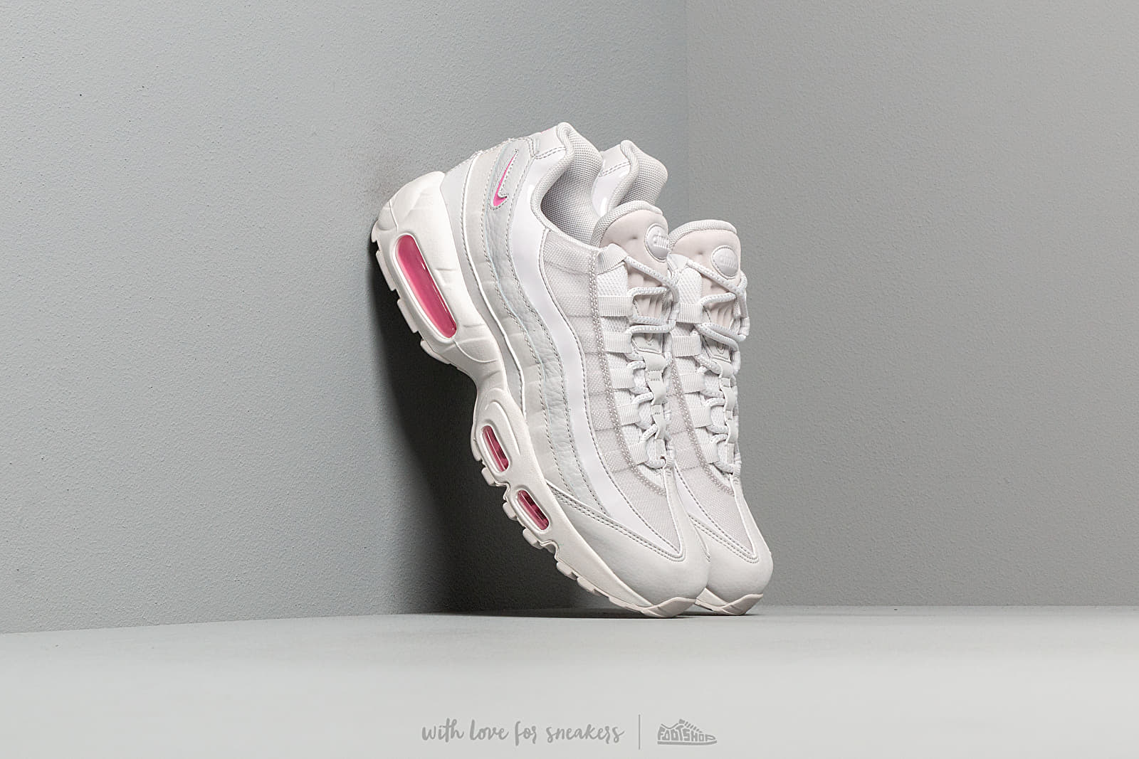 huge selection of 96402 cb8cd Nike Wmns Air Max 95 Se Vast Grey  Psychic Pink-Summit White at a