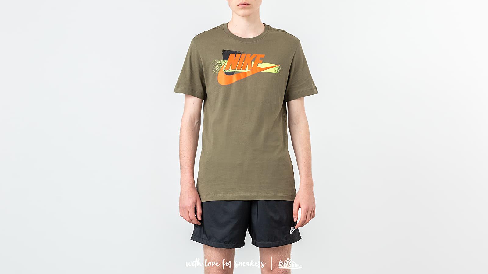 Nike Sportswear Festival Tee Medium Olive za skvělou cenu 640 Kč koupíte na Footshop.cz