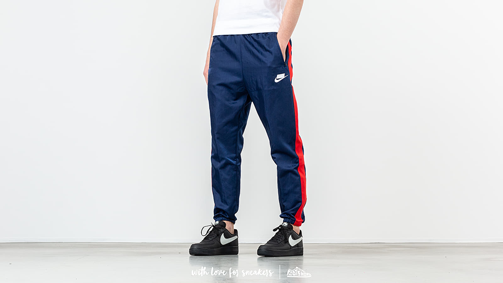 Nike Sportswear Woven Pant Blue Void/ University Red/ White at a great price 66 € buy at Footshop