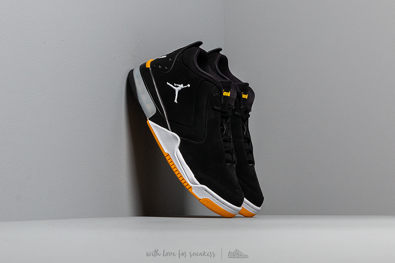 best sneakers a71f4 462b8 Jordan Big Fund Black  White-University Gold at a great price 121 € buy