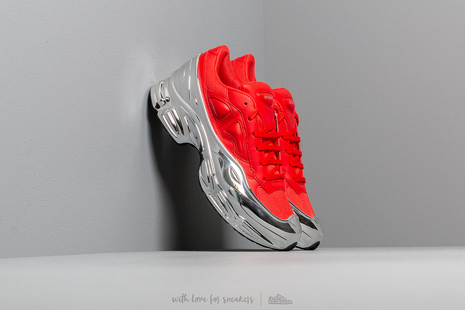 adidas x Raf Simons Ozweego Red/ Silver Metallic/ Silver Metallic at a great price 348 € buy at Footshop