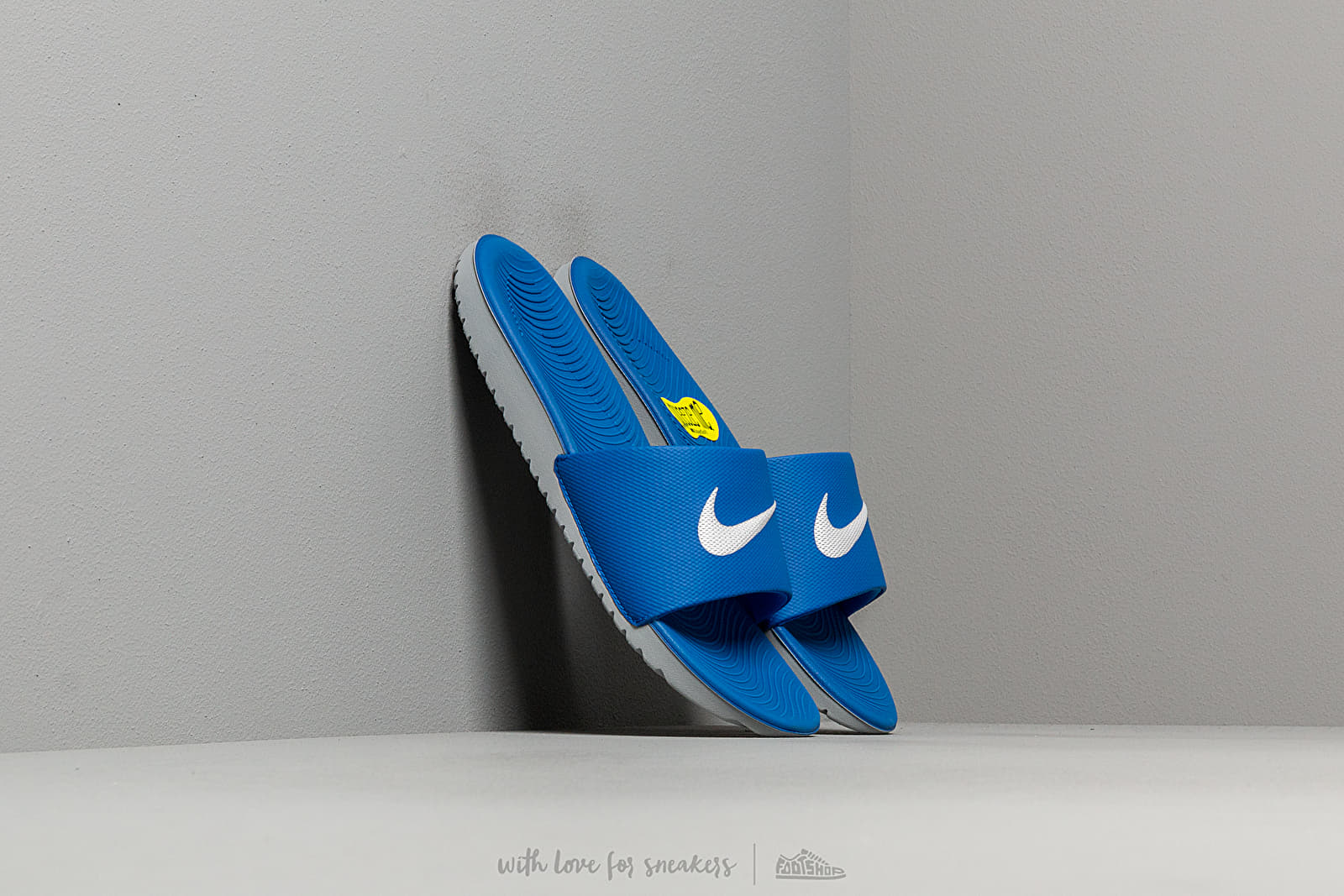 Nike Kawa Slide (GS/PS) Hyper Cobalt/ White za skvelú cenu 26 € kúpite na Footshop.sk