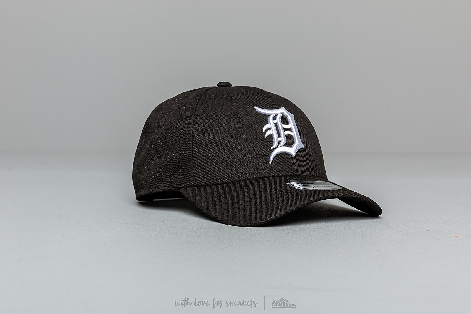 New Era 9Forty MLB Polyester Perforated Detroit Tigers Snapback Black at a great price 32 € buy at Footshop