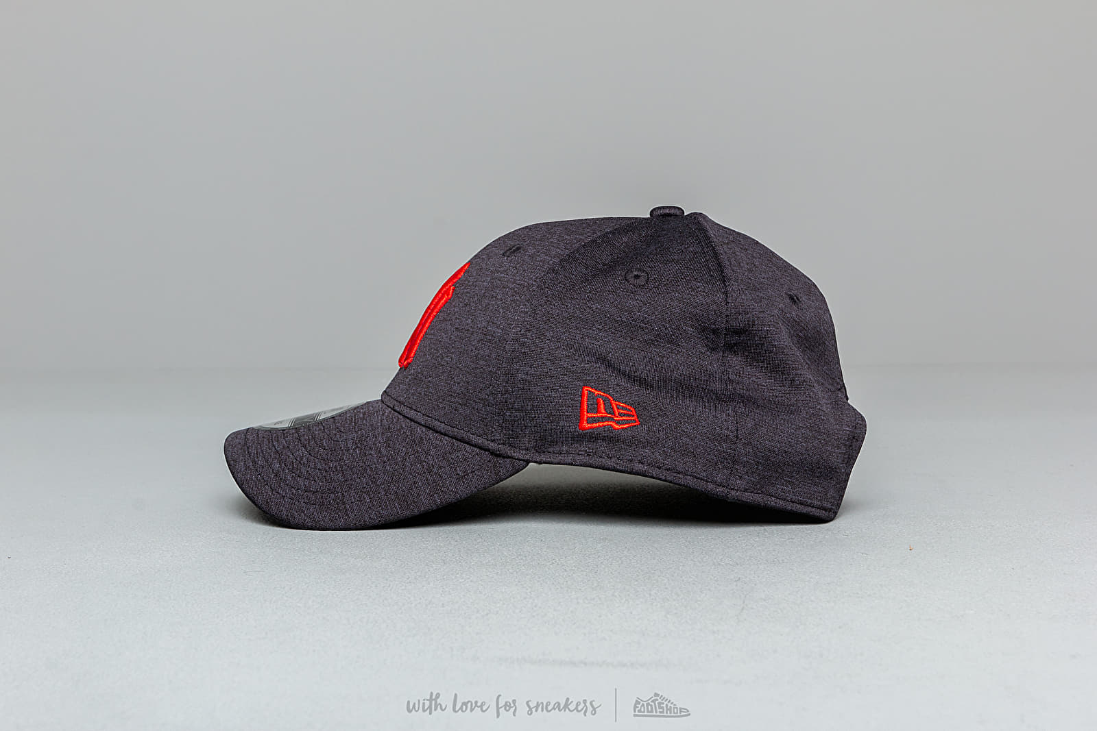 super popular a1d1b dc8db New Era 9Forty MLB Shadow Tech New York Yankees Snapback Navy at a great  price £