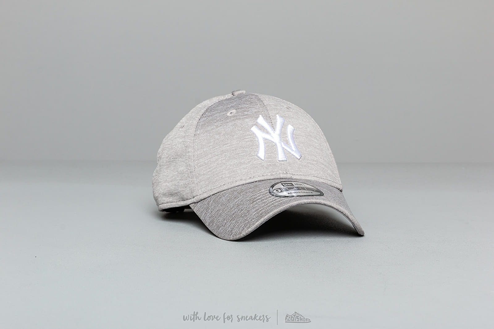 ee724f46f New Era 9Forty MLB Shadow Tech New York Yankees Snapback Grey | Footshop