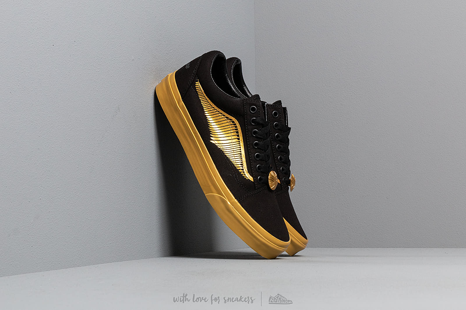 Vans x Harry Potter Old Skool Golden Snitch/ Black W super cenie 365 zł kupuj na Footshop.pl