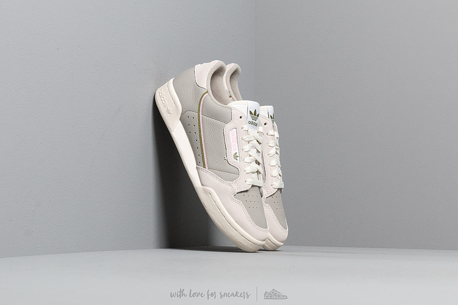 adidas Continental 80 W Sesame/ Raw White/ Off White at a great price 92 € buy at Footshop