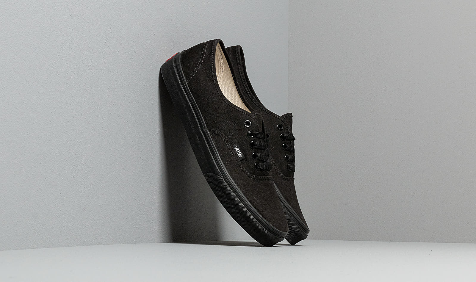 Vans Authentic Canvas Black EUR 42