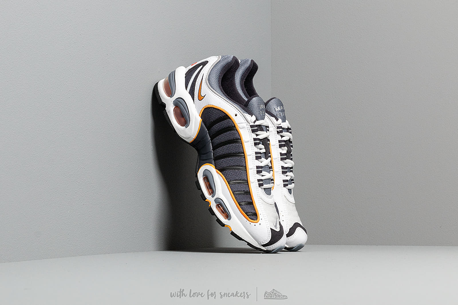 Ανδρικά παπούτσια Nike Air Max Tailwind IV Metro Grey/ White-Resin-White