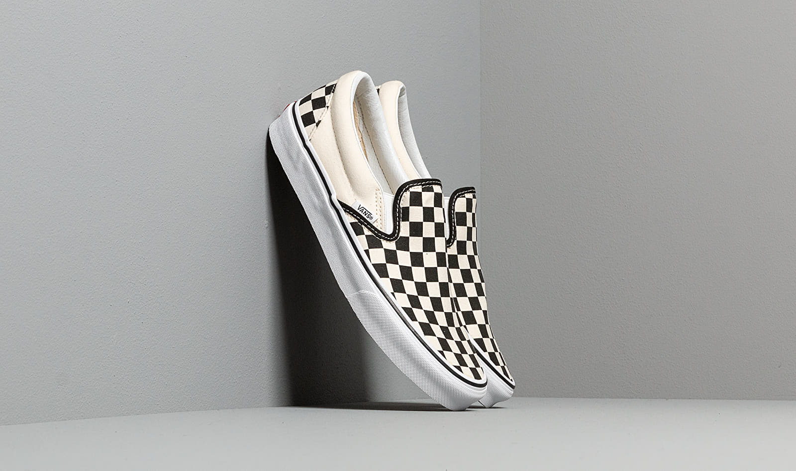 Vans Classic Slip-On Black & White Checkerboard/ White EUR 42