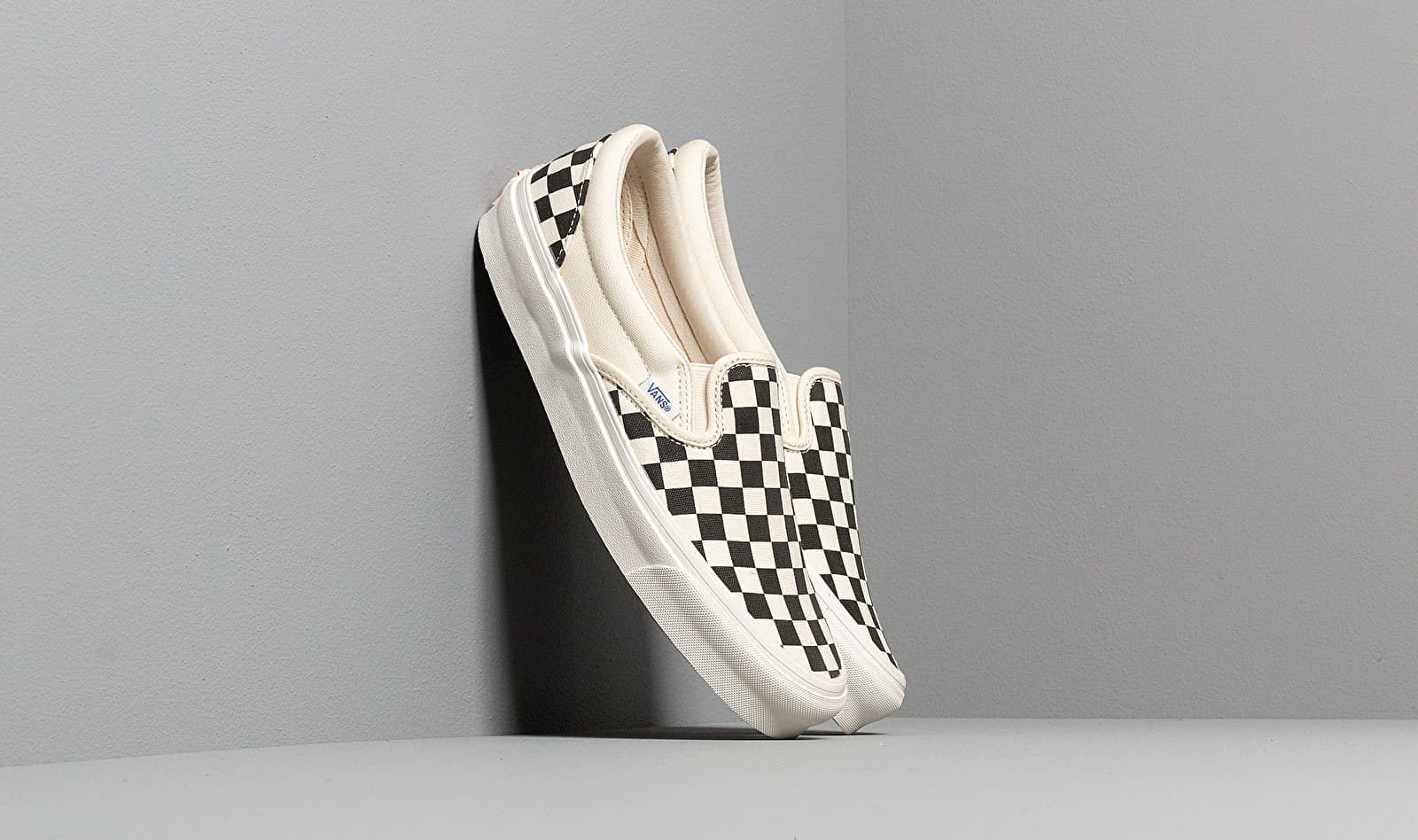 Vans OG Classic Slip On LX (Canvas) Black/ White Checkerboard EUR 42