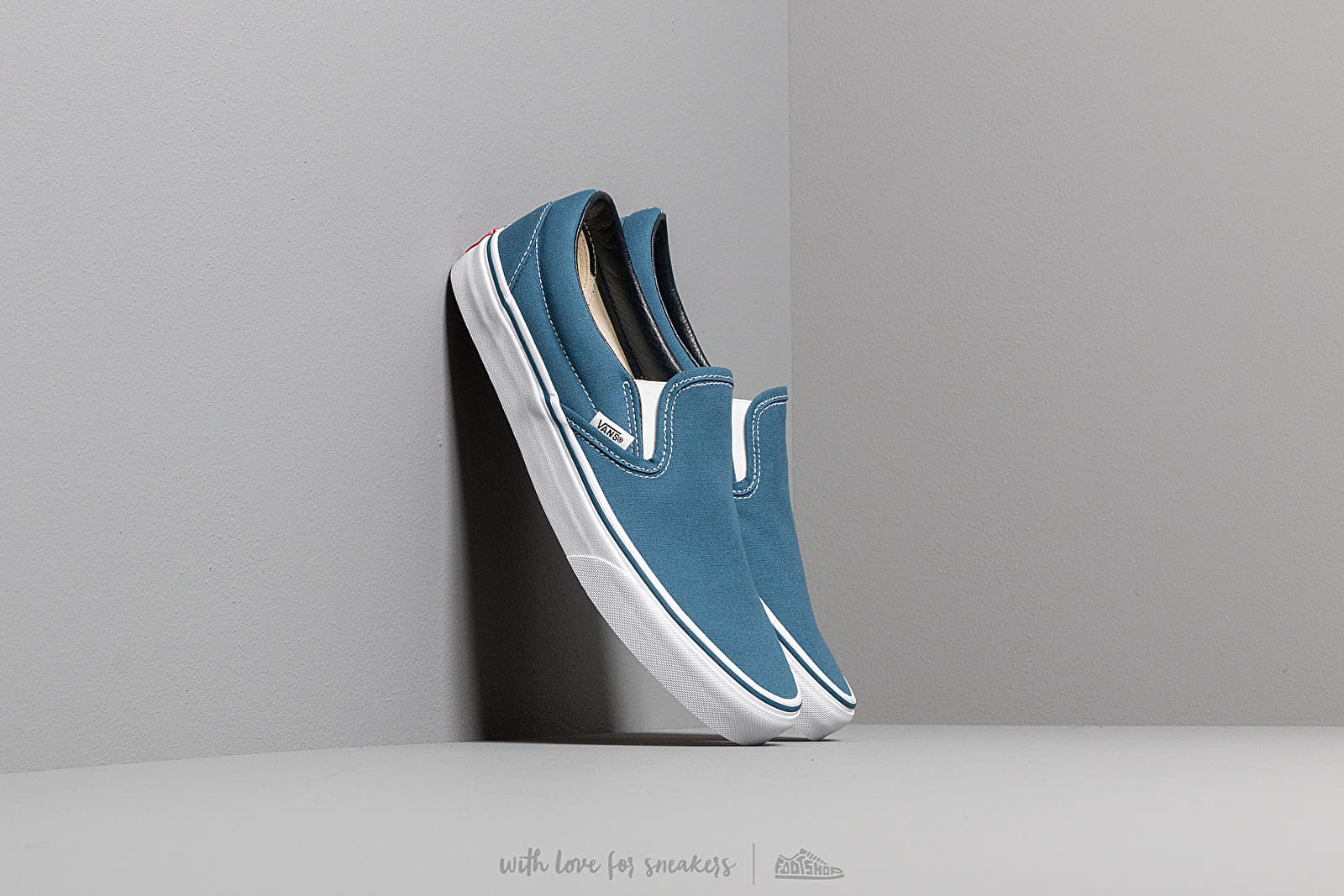 Vans Classic Slip-On Navy at a great price 55 € buy at Footshop