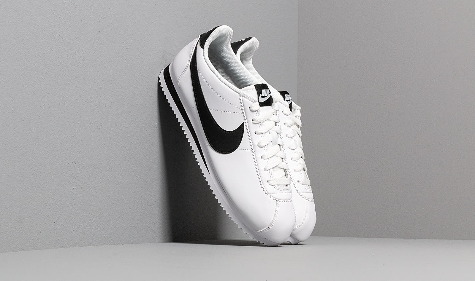 Nike Wmns Classic Cortez Leather White/ Black-White EUR 40.5