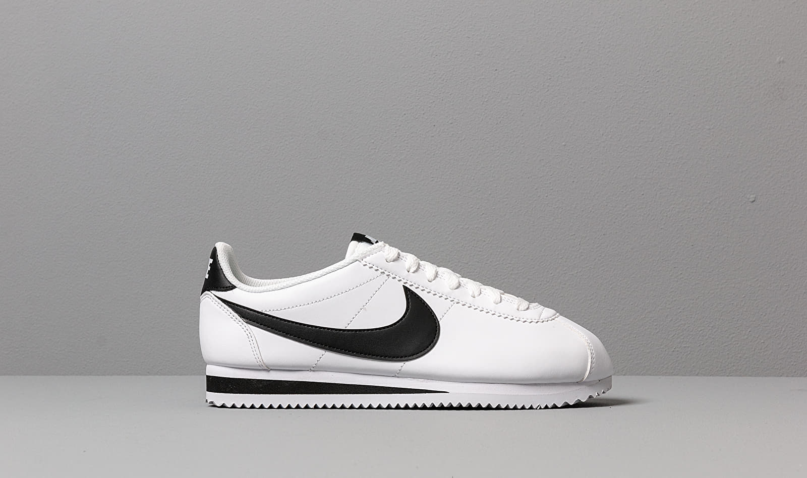 Nike Wmns Classic Cortez Leather White/ Black-White