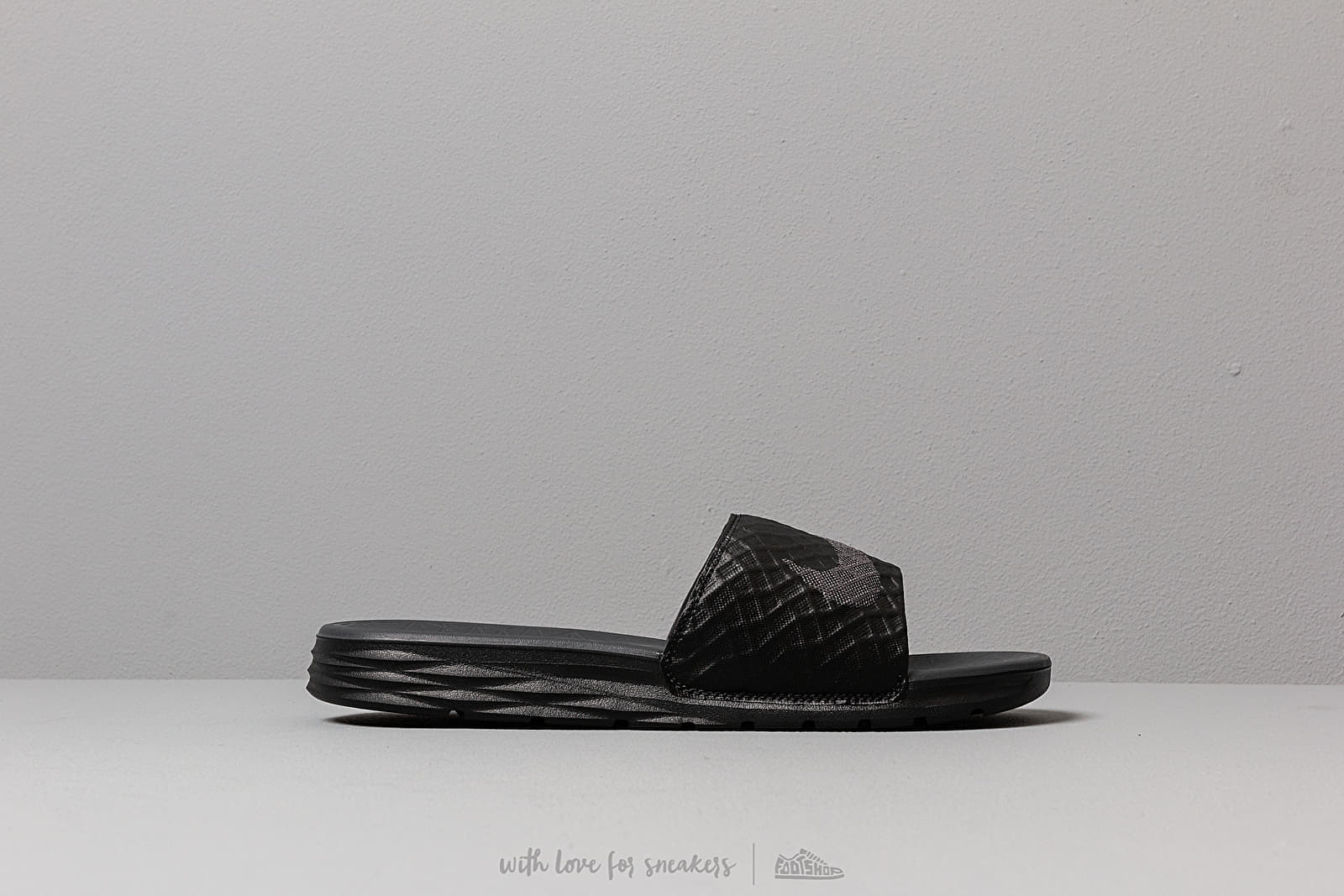 f52ca4e0d1 Nike Benassi Solarsoft Black  Anthracite at a great price 24 € buy at  Footshop