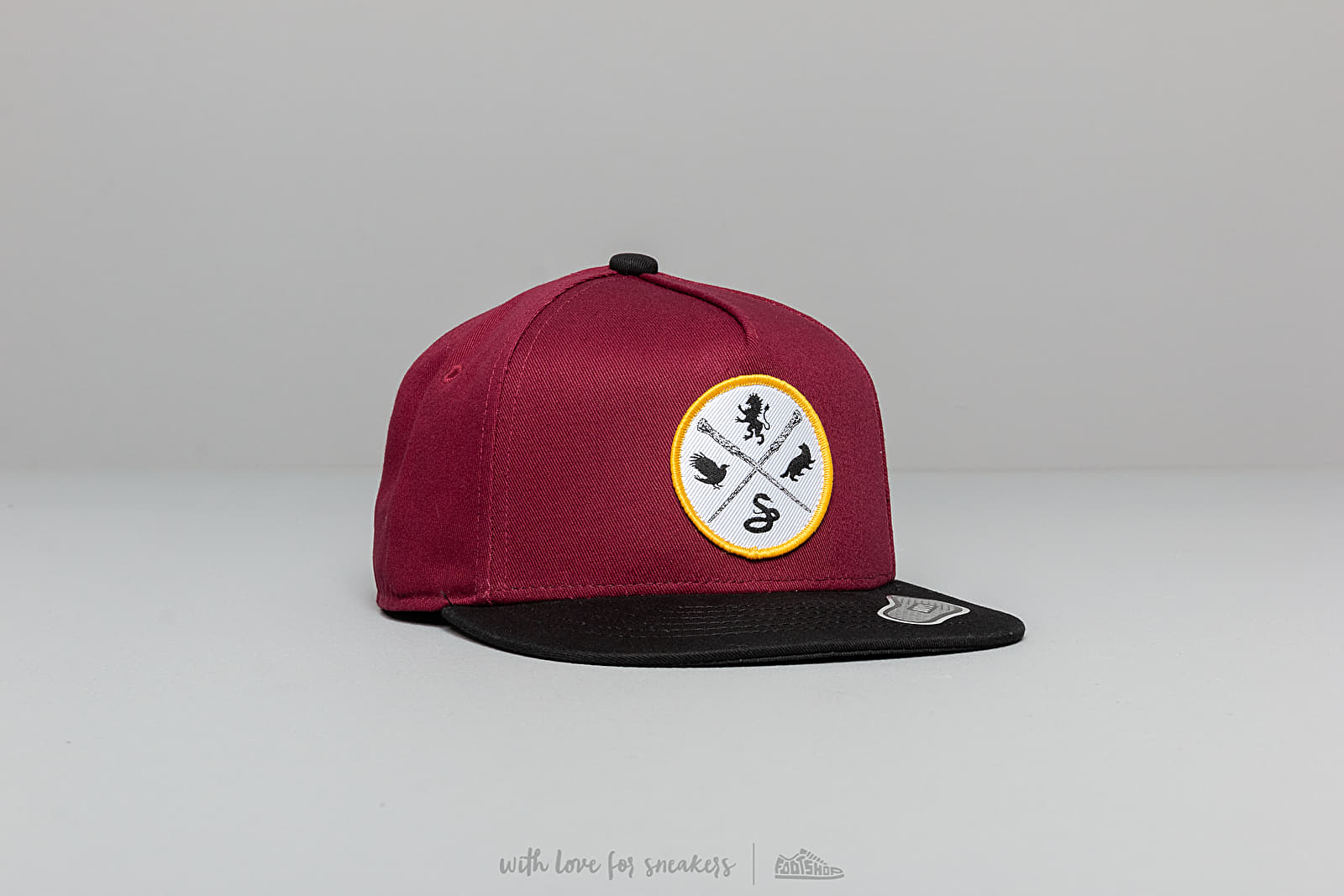 Vans x Harry Potter Boys Snapback Red/ Black at a great price 24 € buy at Footshop