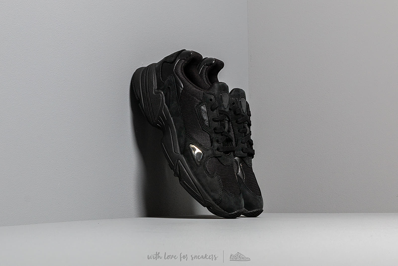 adidas Falcon W Core Black/ Core Black/ Grey Five at a great price 92 € buy at Footshop