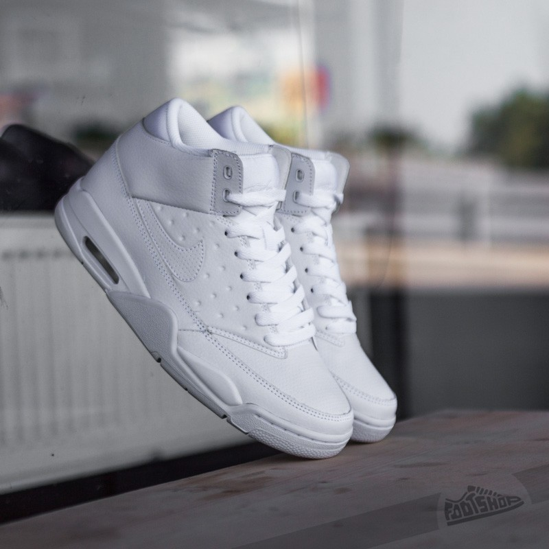 uk availability 6cf33 23f27 Nike Air Flight Classic White