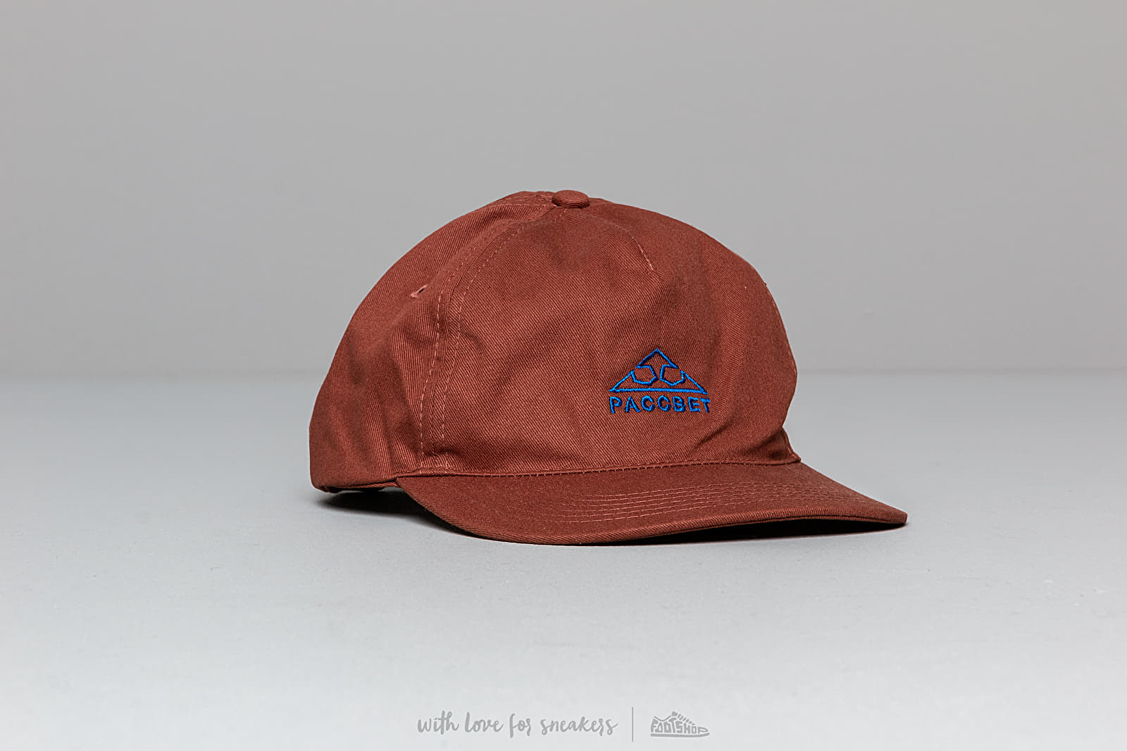 PACCBET Main Cap Brown at a great price 29 € buy at Footshop