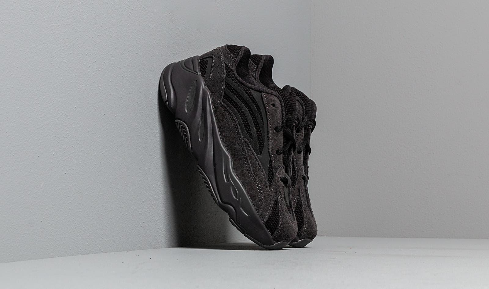 adidas Yeezy Boost 700 V2 Infant Vanta/ Vanta/ Vanta, Black