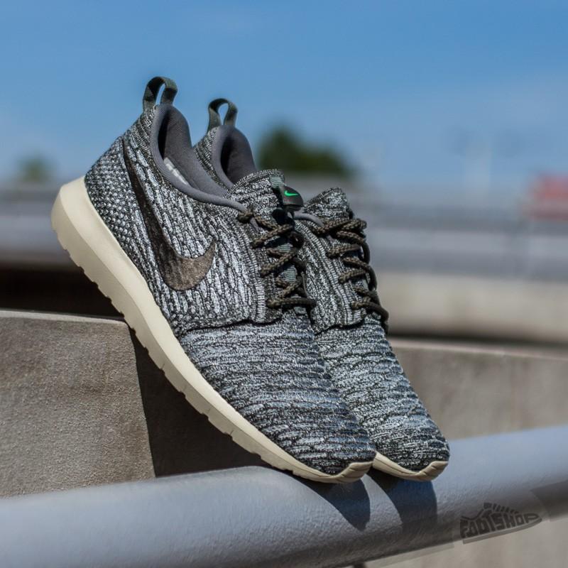 Nike Flyknit Rosherun Wolf Grey  Sequoia River Rock  0a6a4b0b684e
