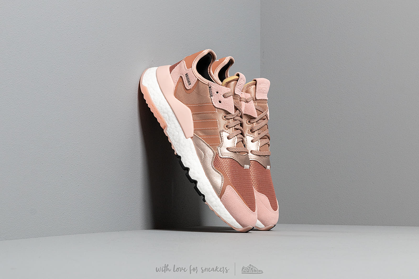 adidas Nite Jogger W Rogome/ Vapor Pink/ Core Black at a great price 125 € buy at Footshop