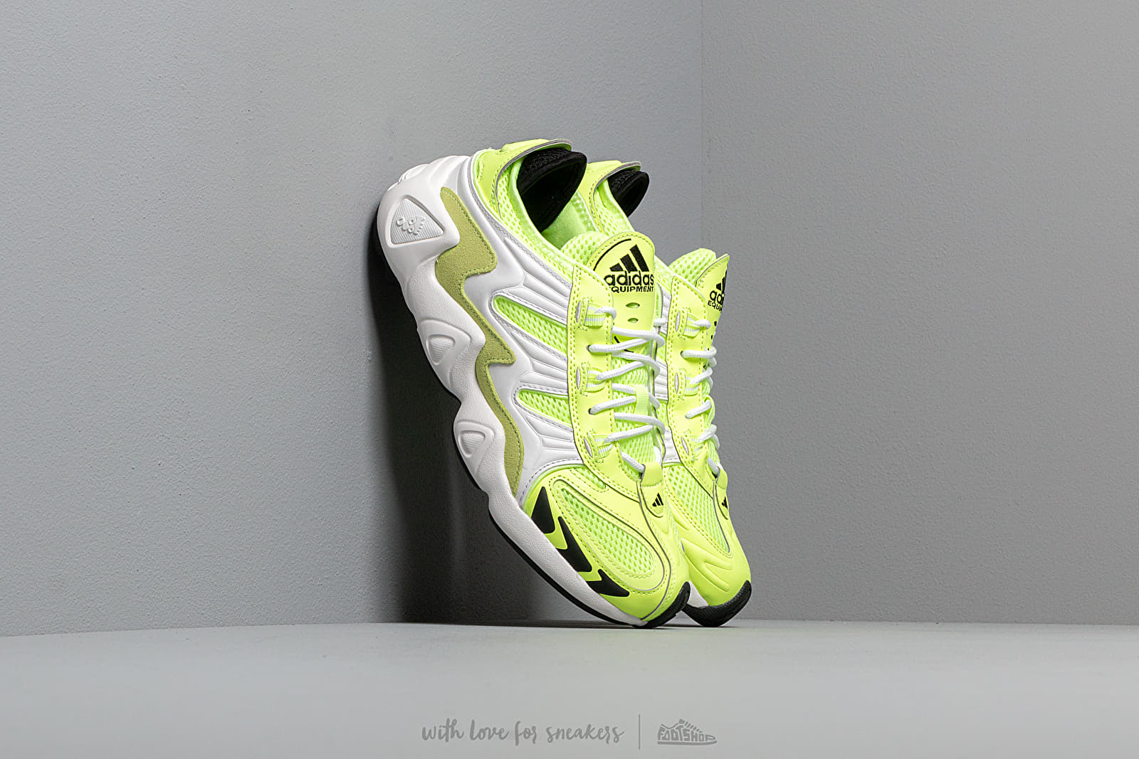 Női cipők adidas FYW S-97 W Hi-Res Yellow/ Crystal White/ Core Black