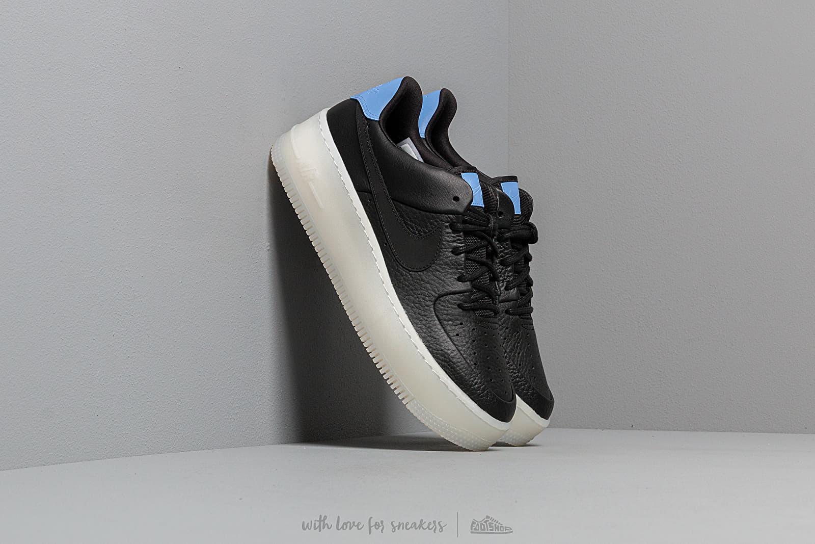 Nike W Air Force 1 Sage Low LX Black/ Royal Pulse za skvělou cenu 2 990 Kč koupíte na Footshop.cz