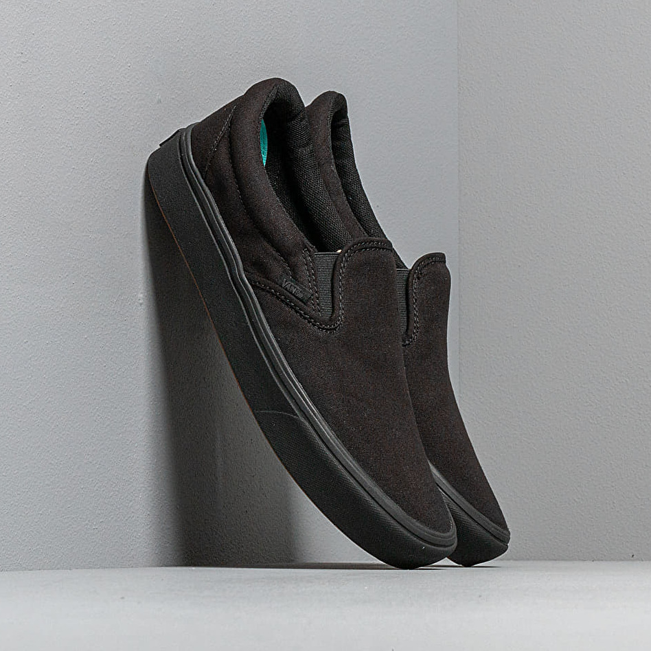 Vans ComfyCush Slip-On (Classic) Black/ Black EUR 42