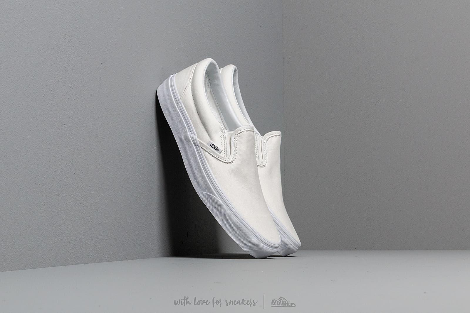 Vans Classic Slip-On True White za skvělou cenu 1 490 Kč koupíte na Footshop.cz