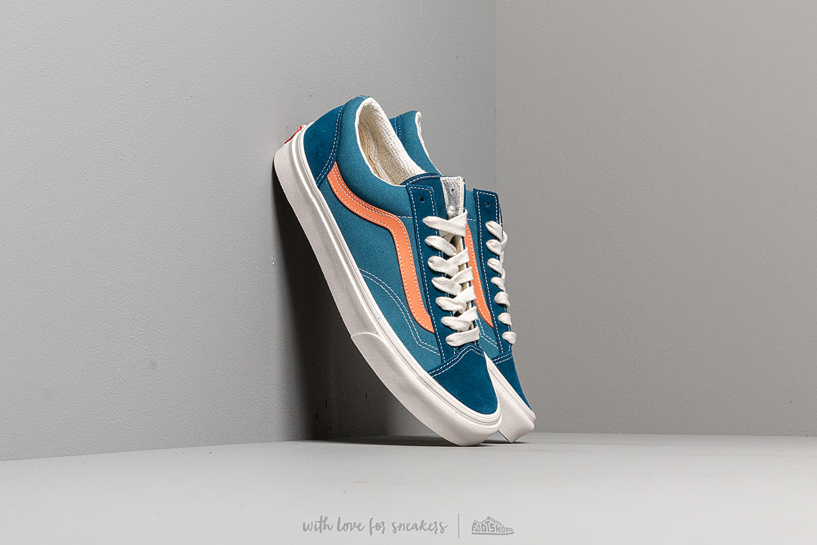 Vans Style 36 (Vintage Sport) Sailor Blue at a great price 65 € bestell bei Footshop