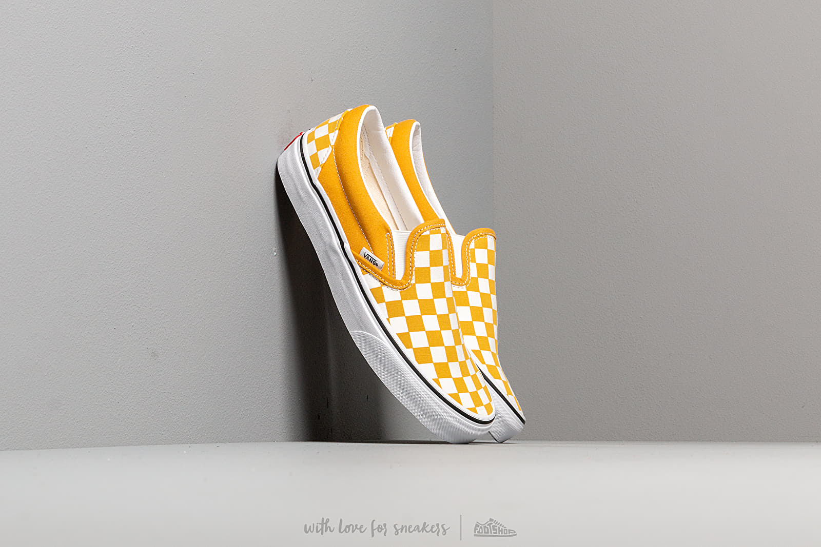 Vans Classic Slip-On (Checkerboardard) Yolk Yellow at a great price 58 € bestell bei Footshop