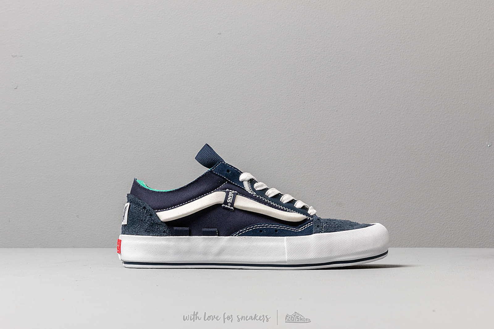 Chaussures et baskets homme Vans Old Skool Cap LX (Regrind