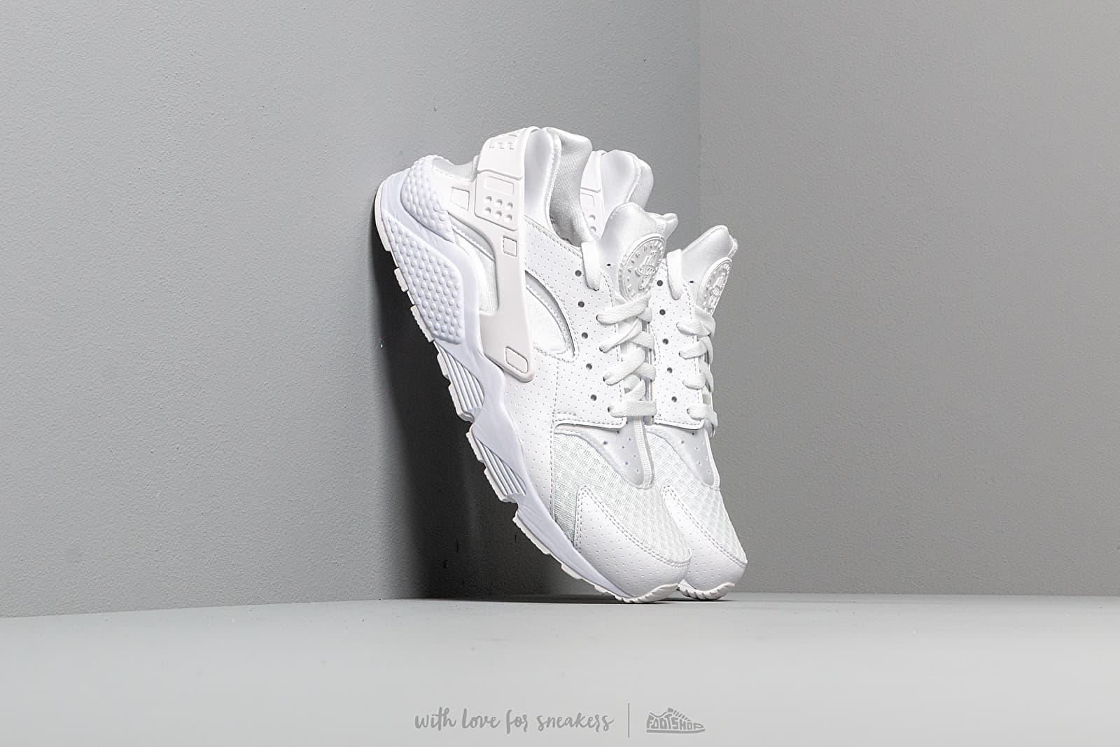 Nike Air Huarache White/ White-Pure Platinum za skvělou cenu 3 290 Kč koupíte na Footshop.cz