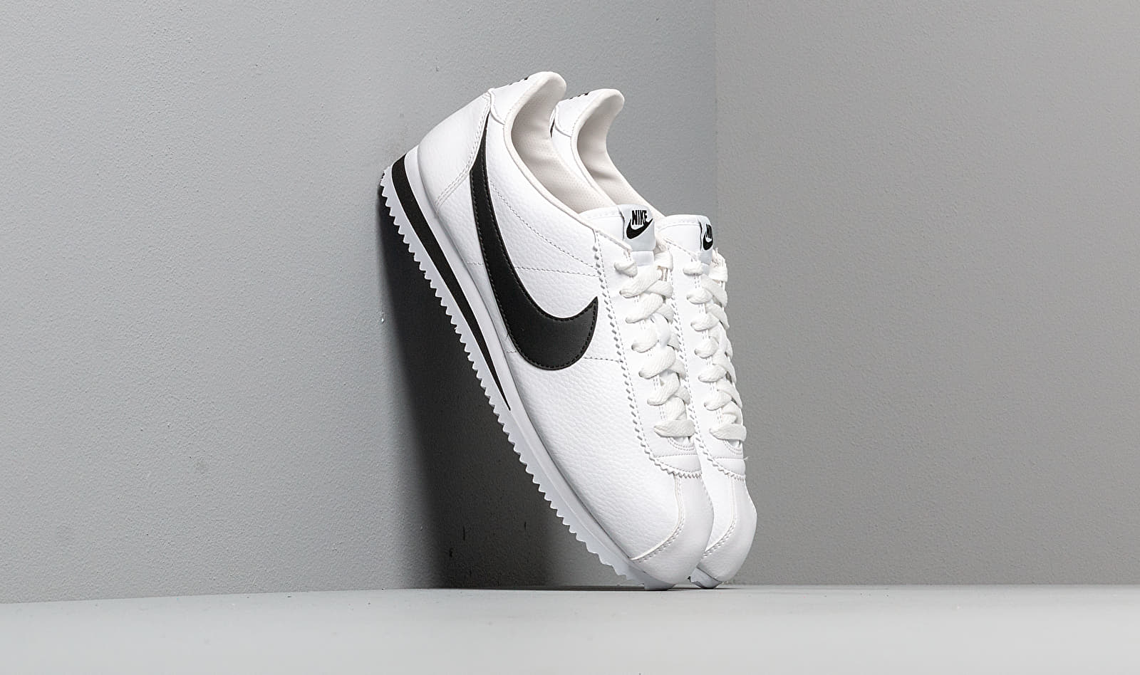 Nike Classic Cortez Leather White/ Black EUR 45