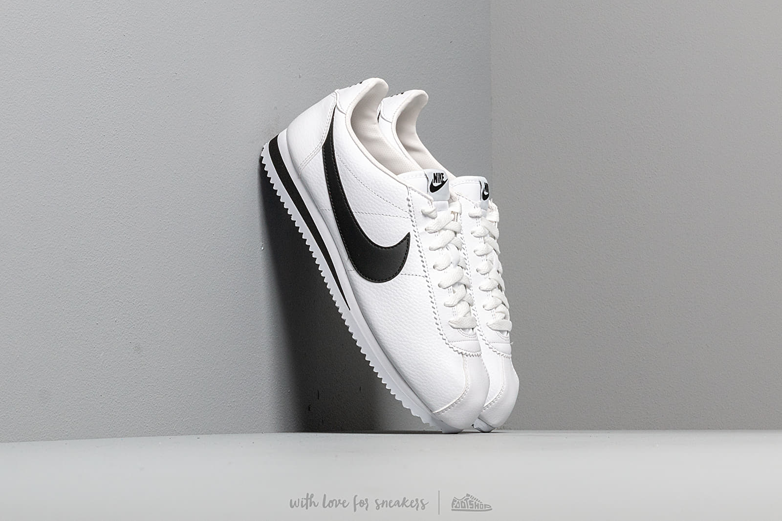 Männer Nike Classic Cortez Leather White/ Black