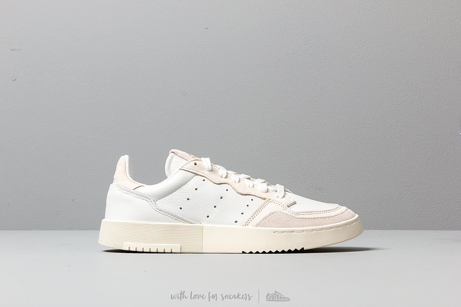 590730d2 adidas Supercourt Crystal White/ Core White/ Off White at a great price 110  €