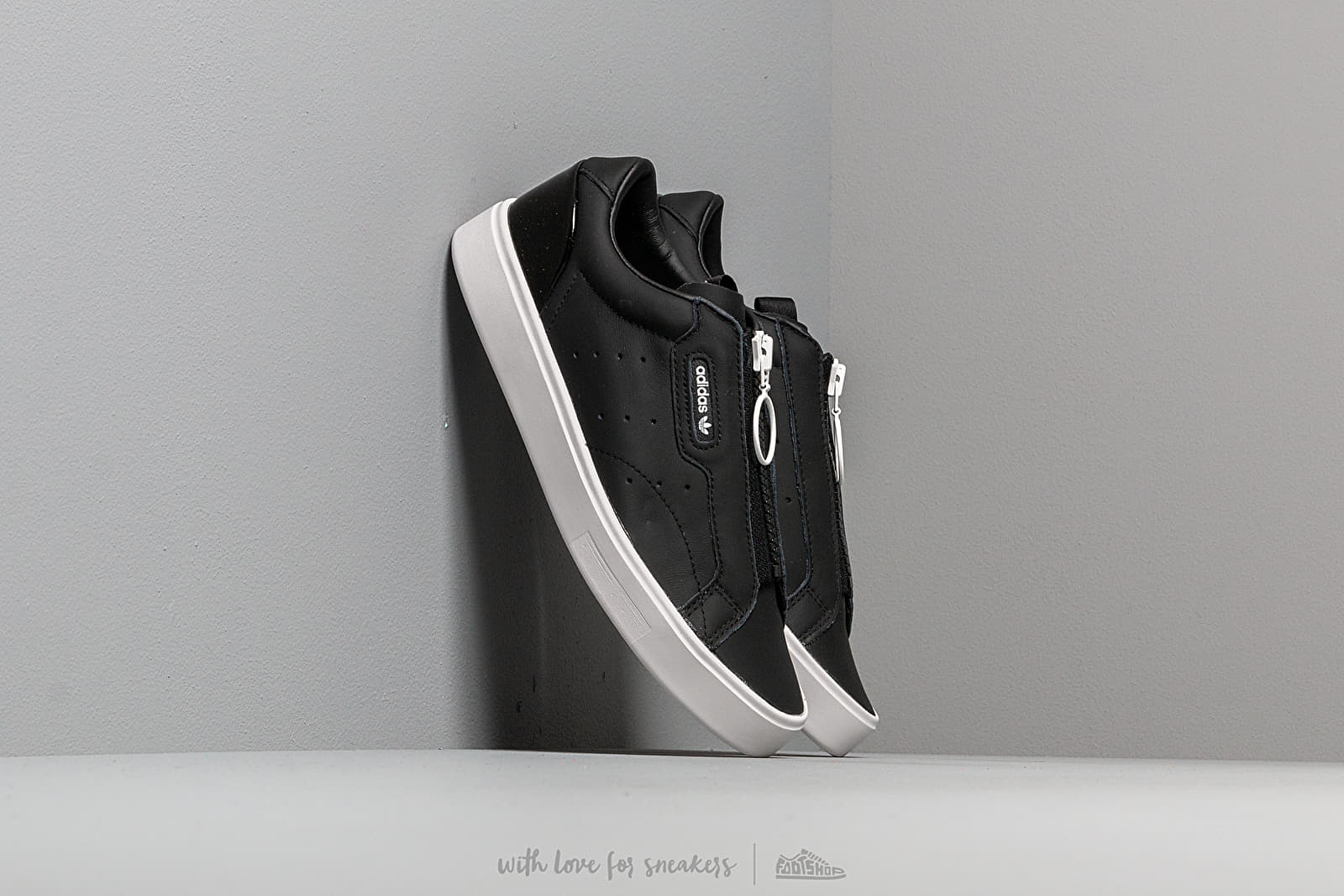 adidas Sleek Z W Core Black/ Core Black/ Crystal White za skvělou cenu 2 490 Kč koupíte na Footshop.cz