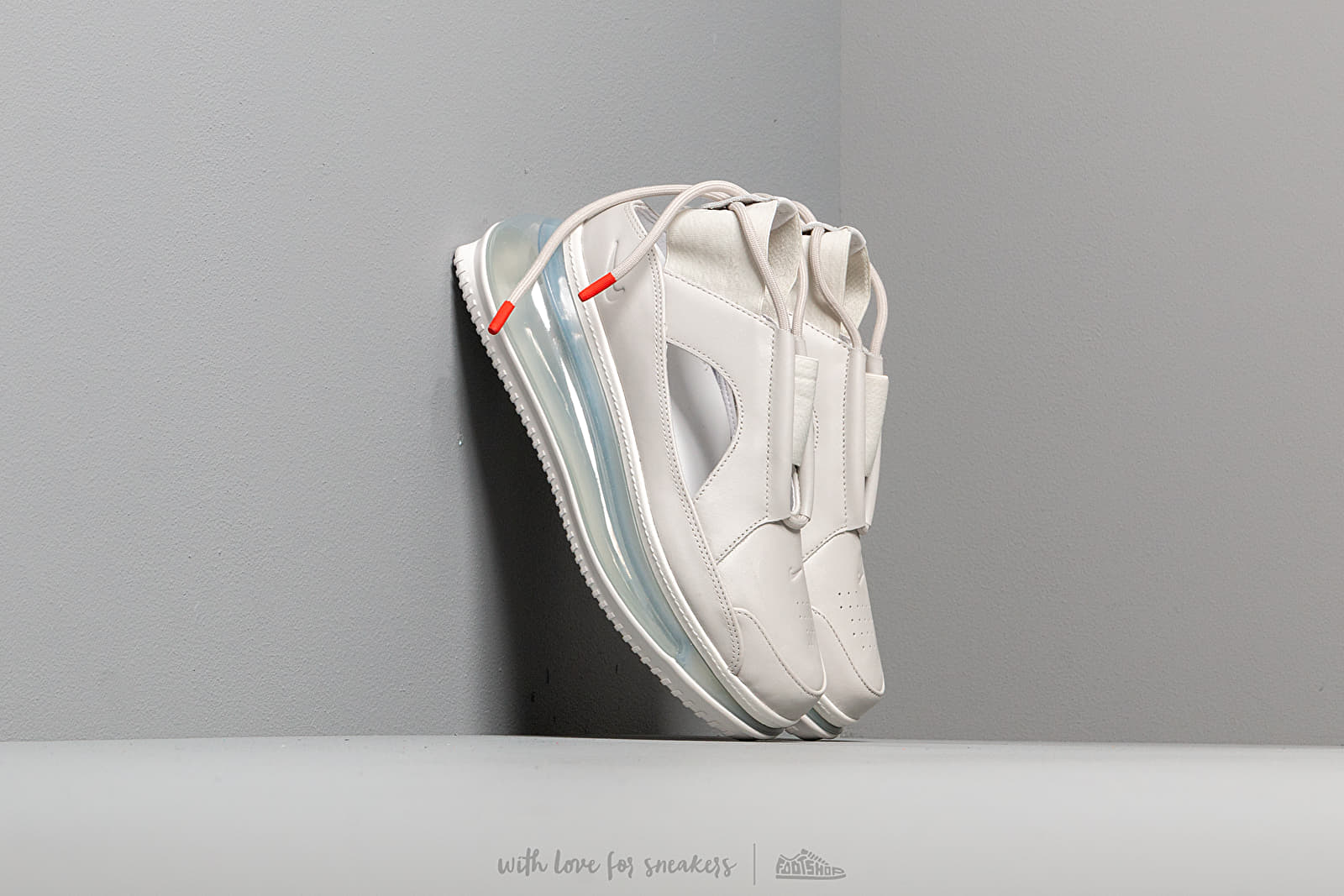 Nike W Air Max FF 720 Summit White/ Summit White-Light Bone za skvelú cenu 209 € kúpite na Footshop.sk
