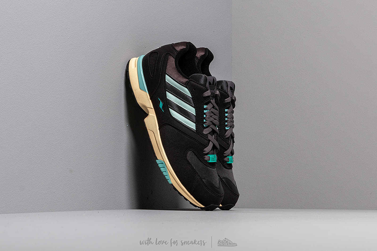 adidas ZX 4000 Core Black/ Ice Mint/ Carbon at a great price 95 € buy at Footshop