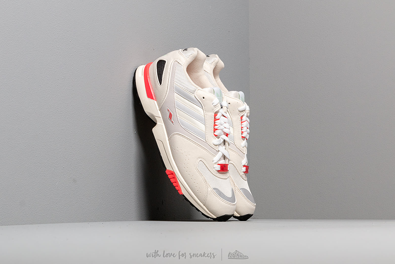 Жіноче взуття adidas ZX 4000 W Core White/ Crystal White/ Off White