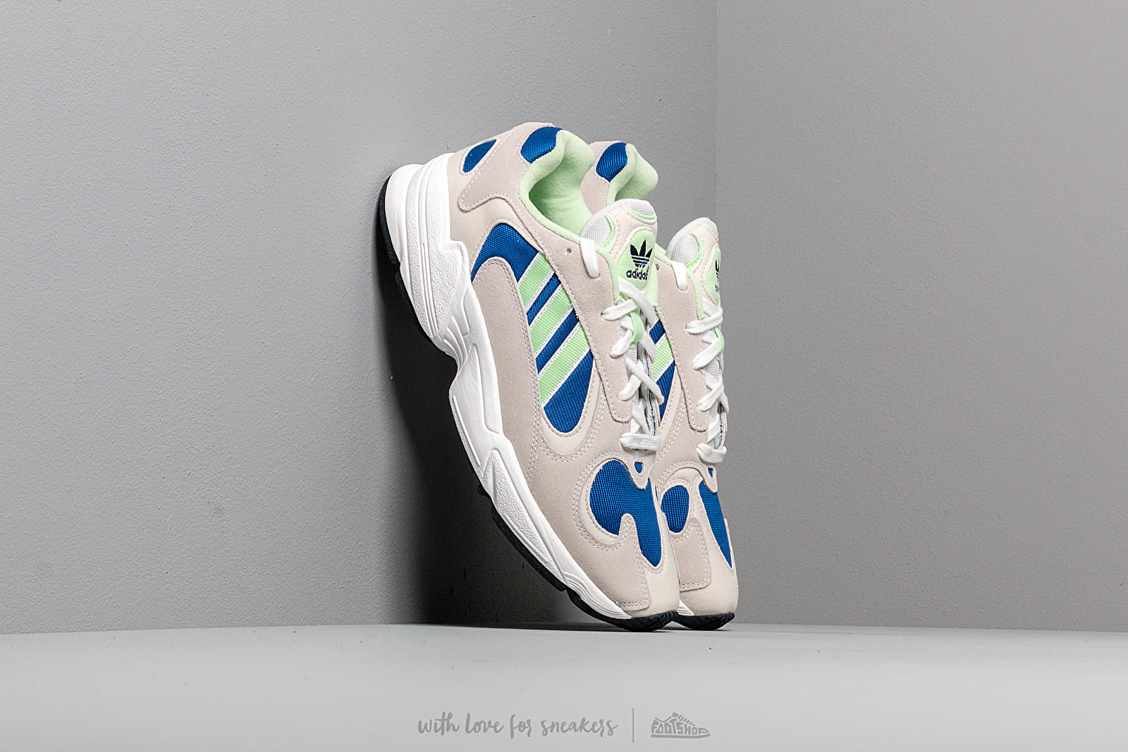 Ανδρικά παπούτσια adidas Yung-1 Ftw White/ Glow Green/ Core Royal