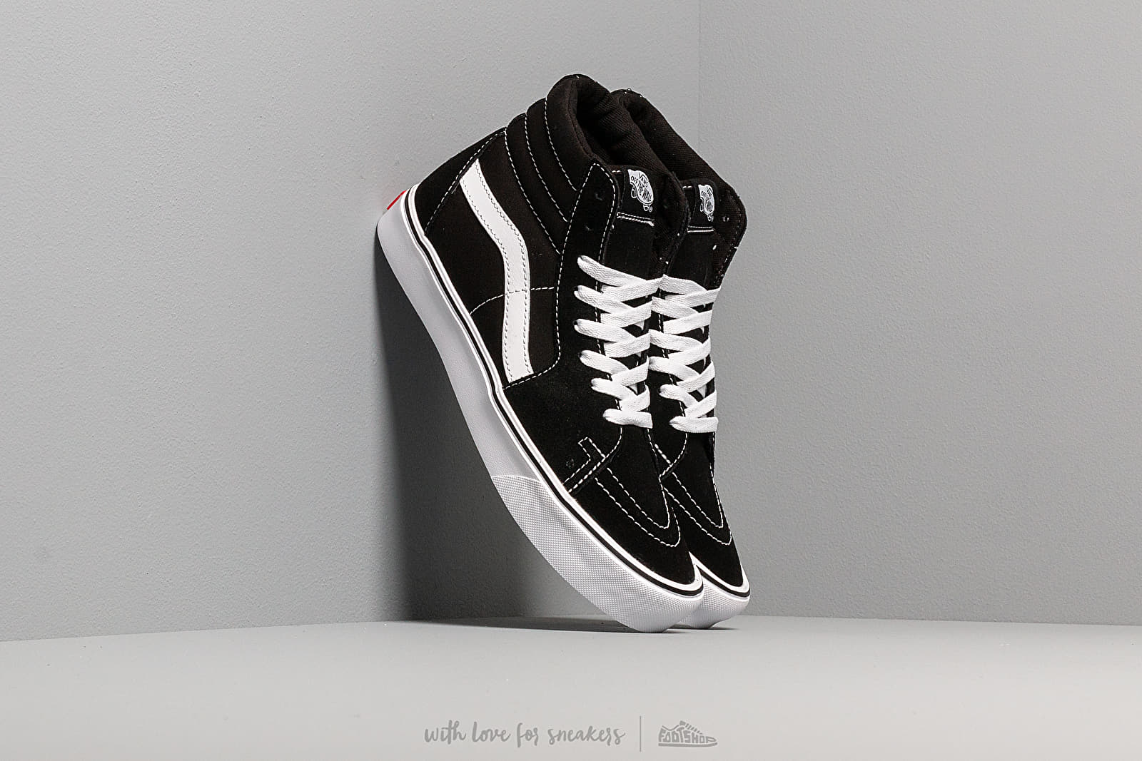 Chaussures et baskets homme Vans Sk8-Hi Lite (Suede/ Canvas) Black/White